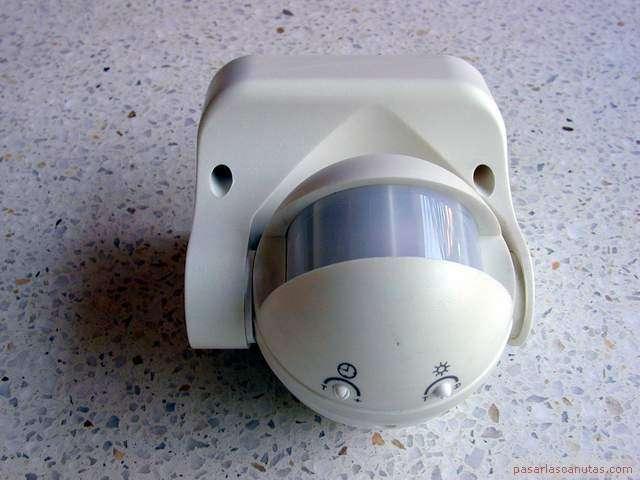Bricolaje de electricidad instalar un dispositivo de - Sensor de movimiento luz ...